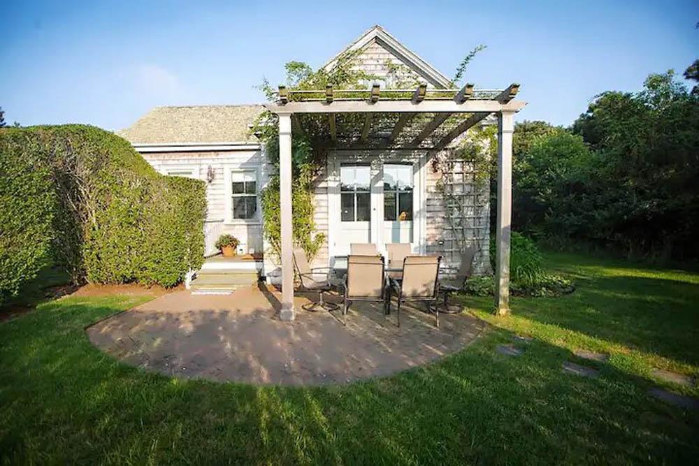 124 Surfside Road Cottage   Photo