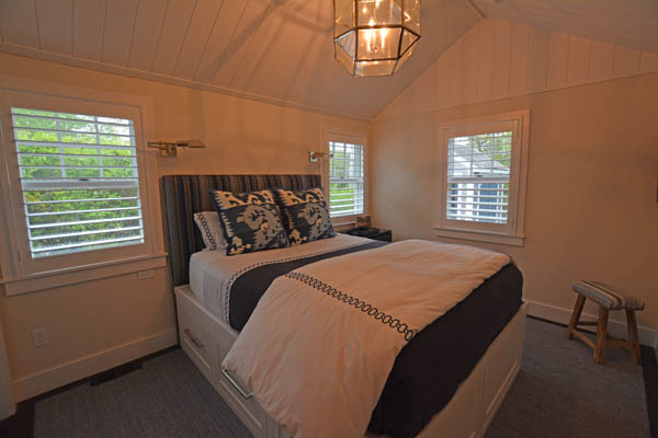 104 Cliff Rd | Photo
